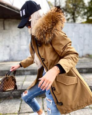Winter parka with natural fur and longer back (camel)