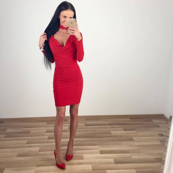 Stretchy choker dress (red)
